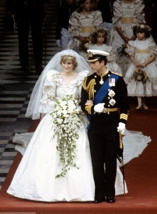A leghíresebb esküvői ruhák – III. rész - womentrend 1c2e90c65a