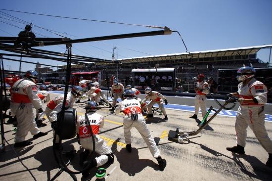 Akcióban a szervizcsapat / McLaren