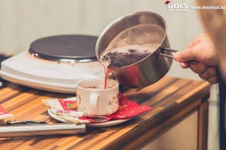 forró kevert italok jäger grog santaperol puncs hypokrat navegado glöggi fehér tea koktél gyömbéres-gránátalmás forró limonádé limonádé ír kávé kávé forró csokoládé glögg punch