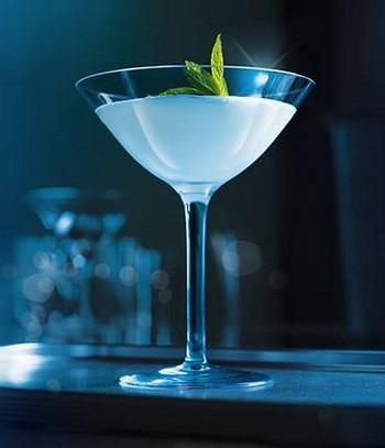 receptúra grey goose vodka bols peppermint white bols créme de cacao white bols martini