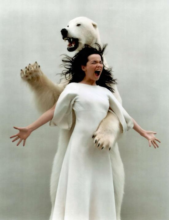 Björk lenyomja a MoMAt