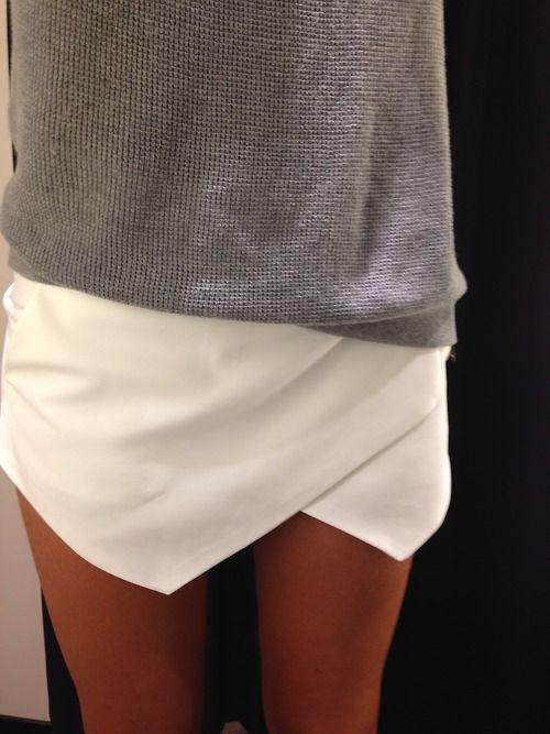 4858834198 ... és míg hidegebb időben vastag harisnyával viseltem őket, lassacskán el  lehet hagyni a harisnyákat is. Mindennel jól mutatnak ezek a nadrágok- szoknyák: ...