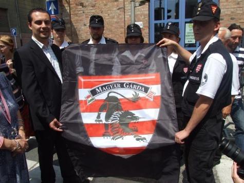 Vona Gábor baráti köre és az ő zászlajuk