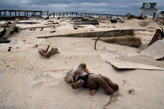 http://photos.nj.com/njcom_photo_essays/2012/12/2012_best_hurricane_sandyphoto.html#photo-11984998