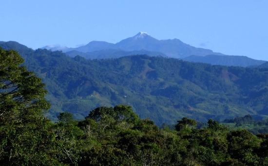 A vidék lenyűgöző... háttérben a Volcán Puracé 4850 méteres havas csúcsa