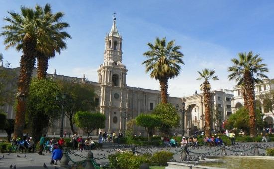 Az egyik legszebb perui Plaza de Armas