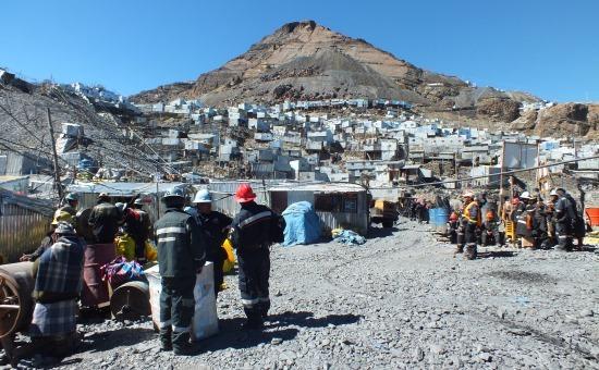 A város a bányák fölé épül - elég egy robbanás és ezrek halnak meg
