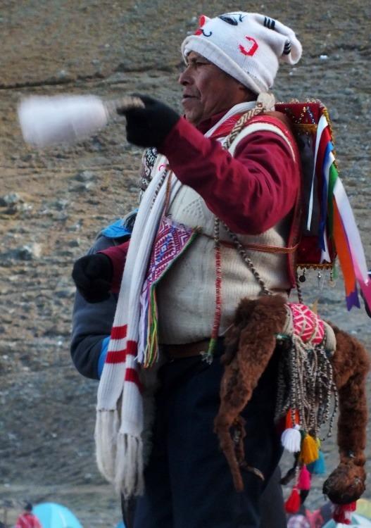Az ukukuk feladata a jég Cuzcóba szállítása (Qoyllur Rit'i)