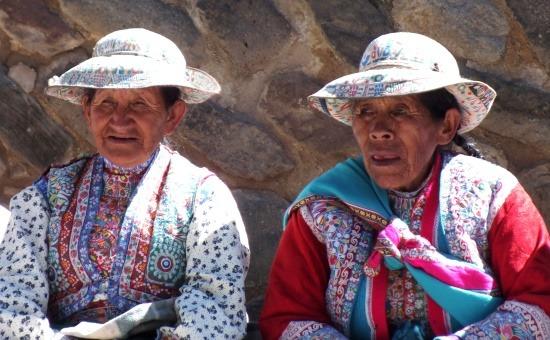 Már csak az idős cabana asszonyok hordják a népviseletet