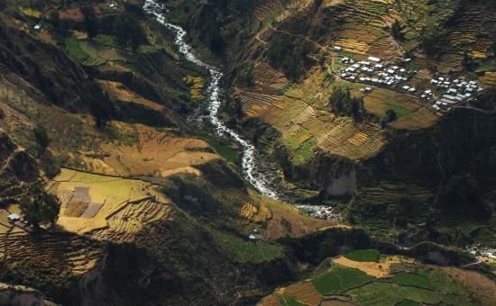 A Cotahuasi-kanyon mélyén apró falvak sorakoznak