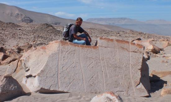 Én egy megmagyarázhatatlan kő tetején Toro Muertóban