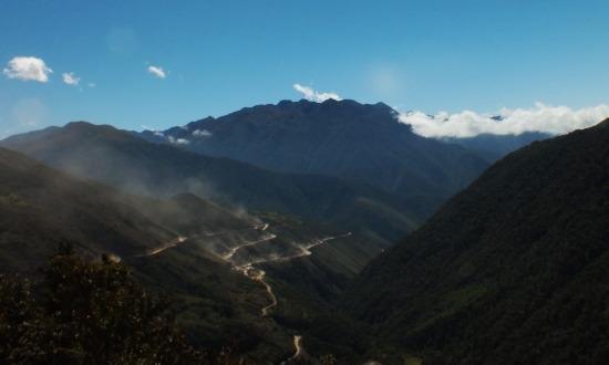 Ayacucho és Kimbiri között jól láthatóan épül az út