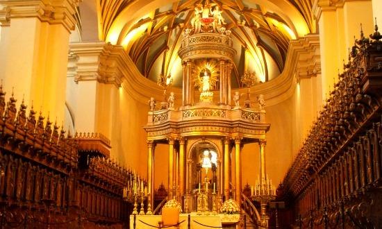 A katedrális oltára nem rossz