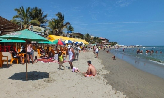 Máncora strandja tök átlagos, de legalább hideg a víz