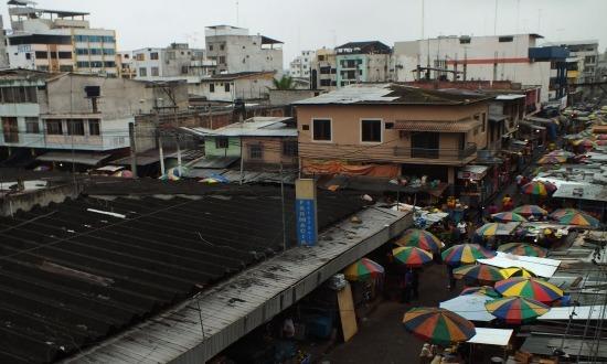 Ecuadorban úgy néz ki csak a szegény negyedben fogunk tudni megszállni, olyan árak vannak