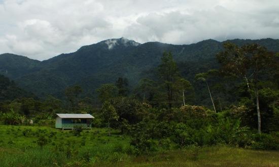 Kapisun faluja csodás környezetben fekszik