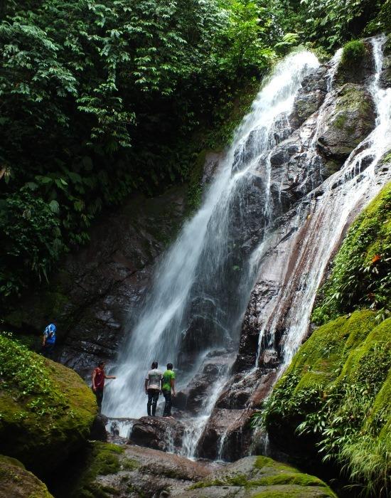 A szent vízesés Nantip közelében ma már nem csak az uwishineknek elérhető