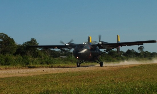 Landol a furcsa kinézetű katonai gép