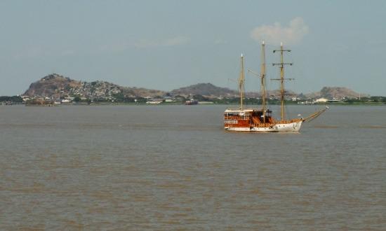 Guayaquil a Guayas-folyó partján épült