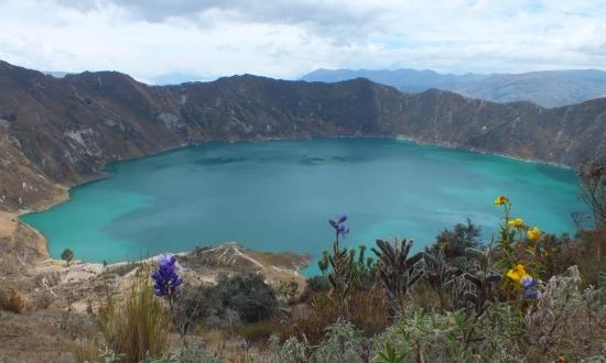 A Quilotoa-lagúna 3800 méter magasan fekszik