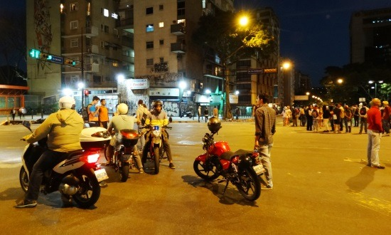 Az útlezárásokkal a motoros taxik járnak a legjobban