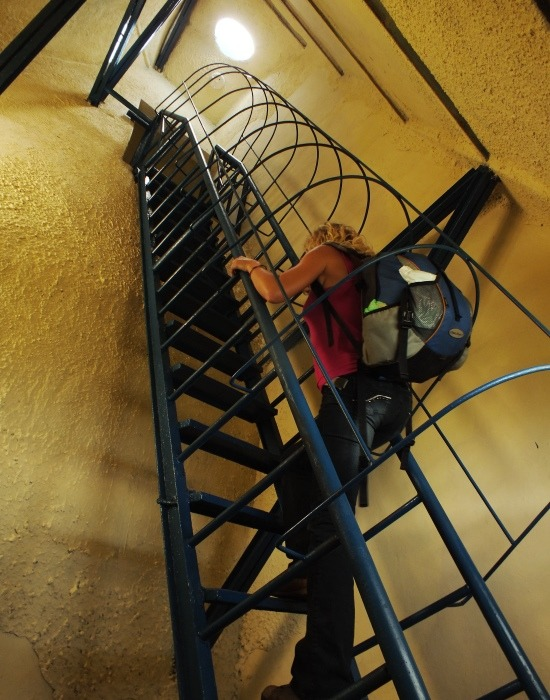 Eri küzd a lépcsőkkel