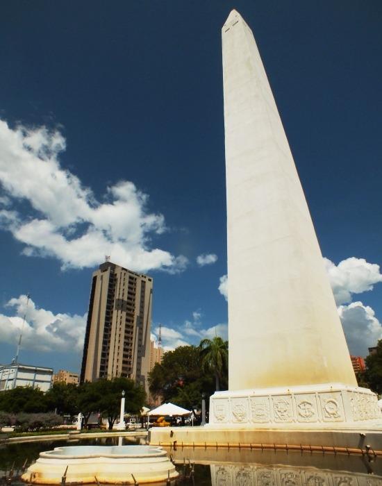 Az új városrész központja, a Plaza de la República