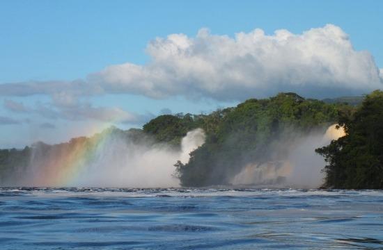 A Salto Hacha (Fejsze-vízesés) előtt gyakran van szívárvány