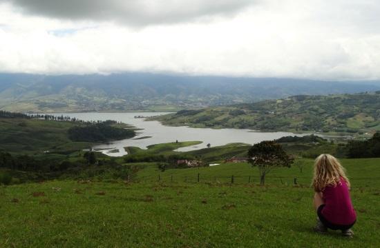 Kilátás a Calima-víztározóra