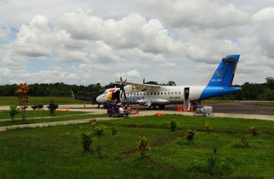 Guapíba a Satena ezer éves gépe repül