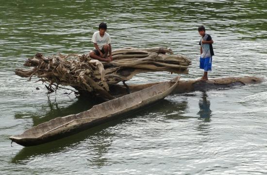 Machiguengák és a Rio Urubamba