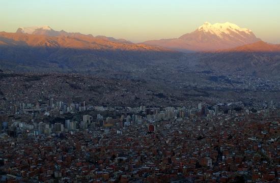 La Paz mesés helyen fekszik, mégis élhetetlen