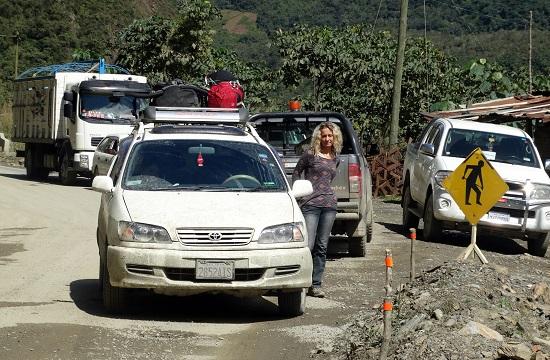 A Yungason utazva gyakran kell órákon át rostokolni a semmi közepén
