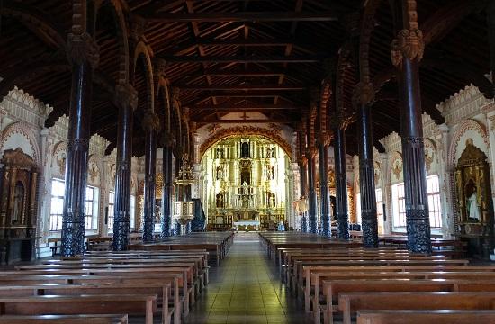 Ha kívülről nem is, belülről attól még szép a templom