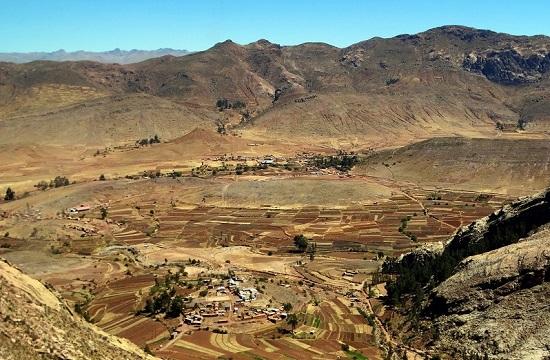 Potosíhoz közeledve emberi jelenlét nyomai mutatkoznak