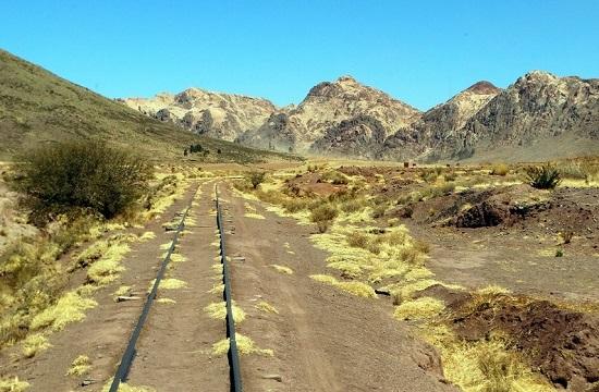 Háttérben az ezüstöt rejtő hegyvidék - közeledünk Potosíhoz