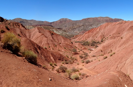 Tupiza határában vörös sivatag nyújtózik