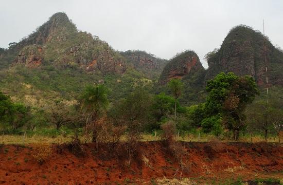 A Cerro Corá szirtjei messze vannak a hegytől, de legalább nincsenek legelők