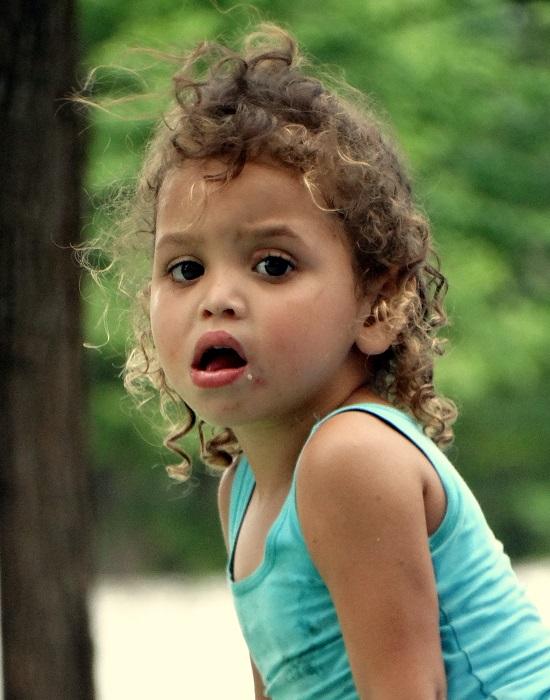 Paraguayi kislány portréja