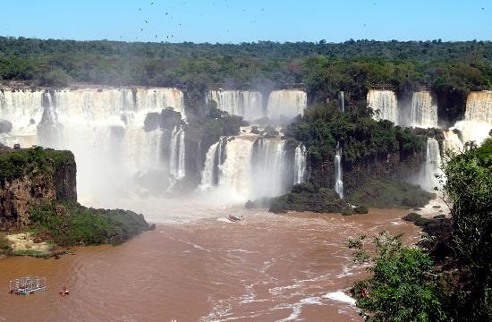 Az Iguazú-vízesés tényleg szép