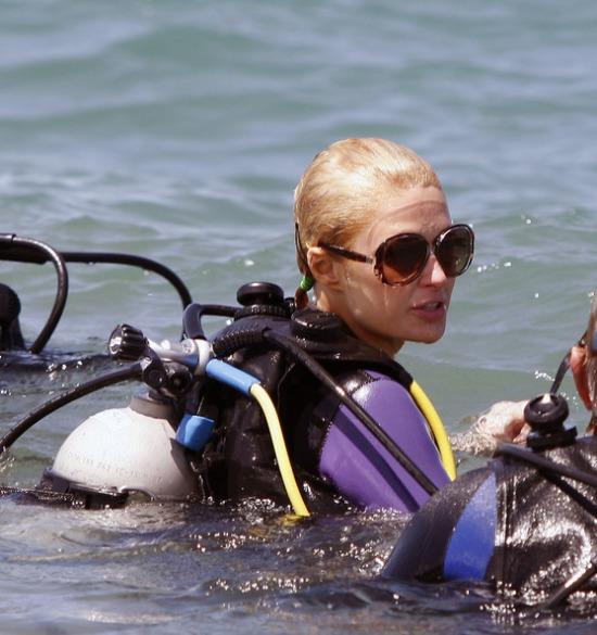 Paris Hilton búvár
