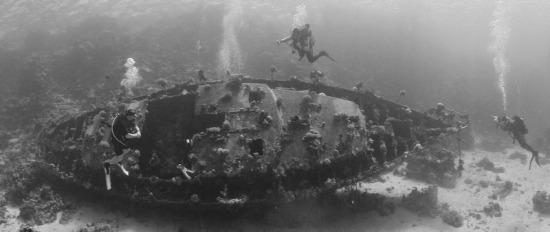 Búvár egyiptom vörös-tenger roncs