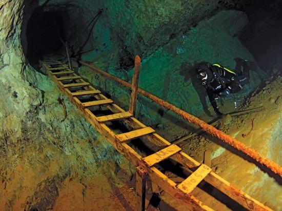 video usa barlang