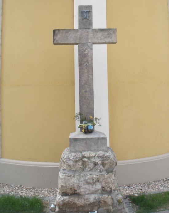 temetőkereszt  rókus kereszt vác rókus kápolna