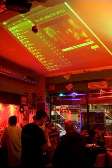 Mixgar egy bárban