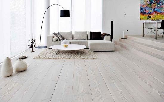 Túl steril, vagy otthonos? Fehér padló a nappaliban - otthonos