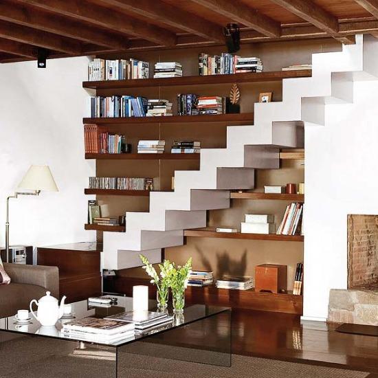 Térkihasználás a lépcső alatt - otthonos