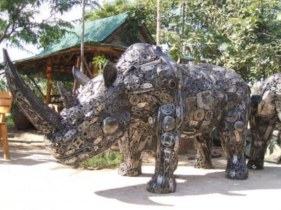 metal-rhino.jpg