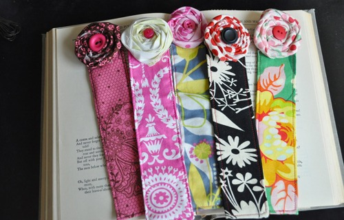 fabric-flower-bookmark.jpg