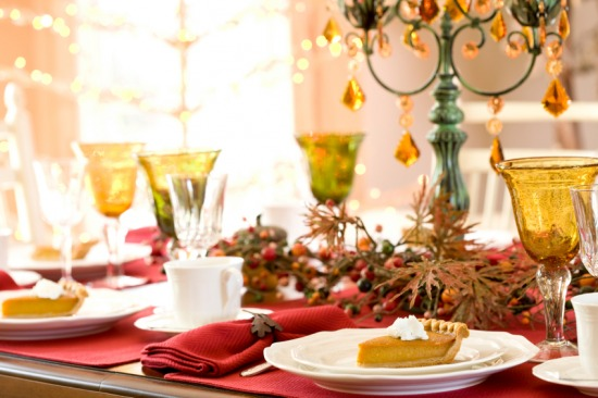 Green-and-Gold-Christmas-Table.jpg